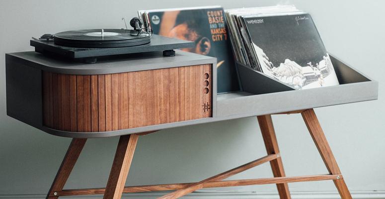 264315-hrdl-vinyl-table.775x400